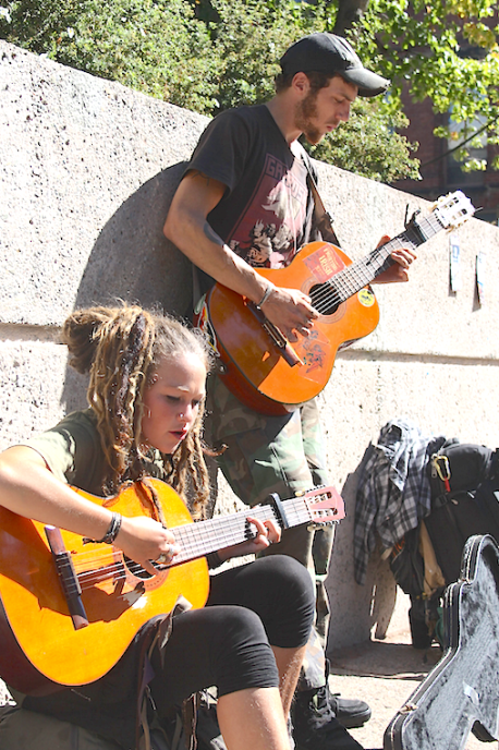 Street performers Amanda, left, and Farron, entertained on Queen Street in Charlottetown on Sept. 28. Jerry Laird photo.